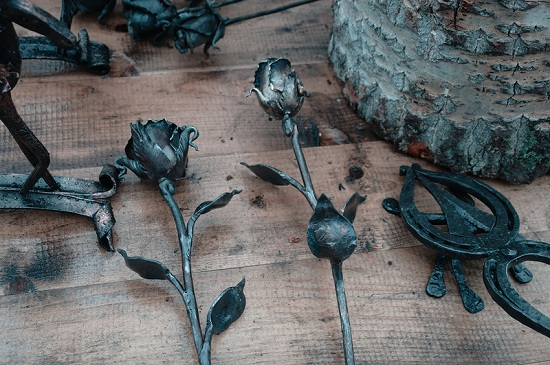kovanye-rozy