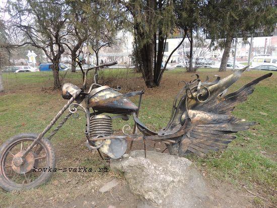 """Кованая скульптура """"Мотоцикл"""""""